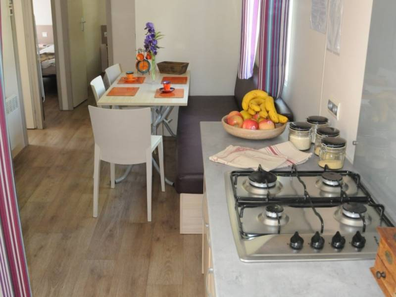 equiped kitchen mobile home