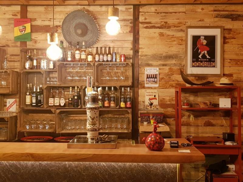 a bar where to taste local regional wine